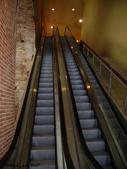 Risalita meccanizzata fontebranda costone siena - Sognare scale mobili ...